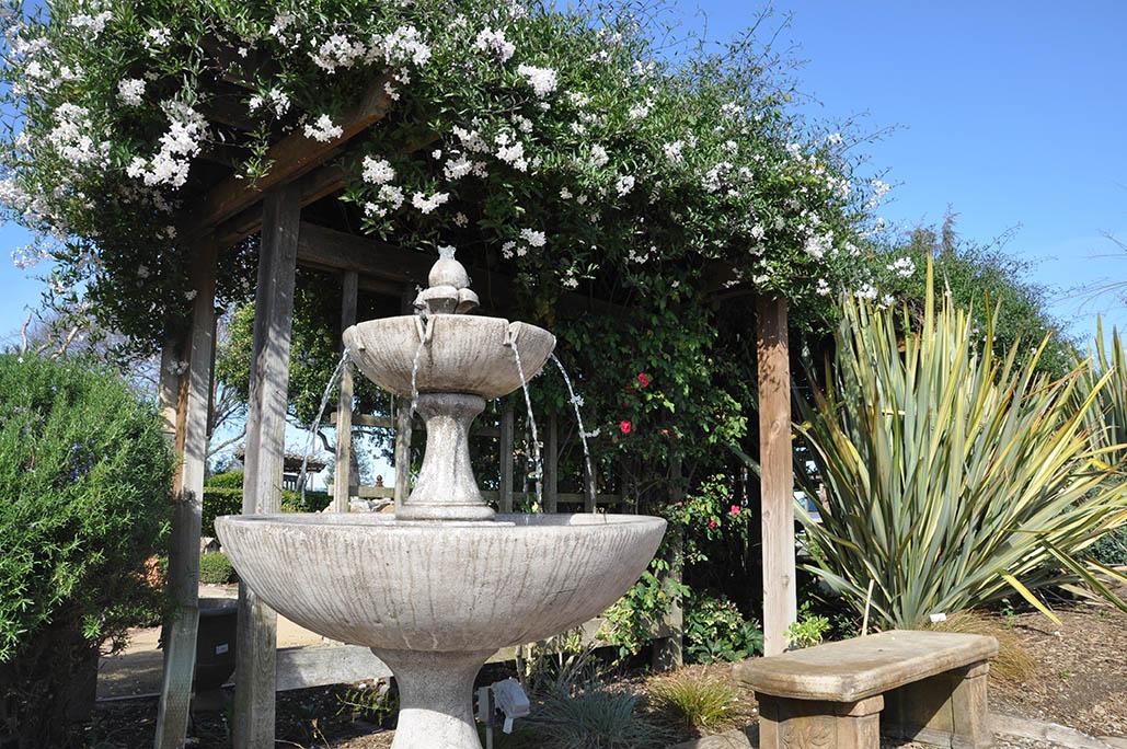Fountains Furniture Amp Statues Grass Farm Garden